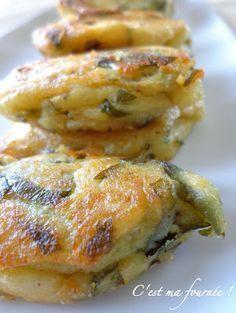 """C'est ma fournée !: Les """"p'tites omelettes"""" marocaines de mon enfance....325g de pomme de terre épluchée (spéciales purée) 100g d'oeufs (2 gros oeufs) 15g de persil plat frais et ciselé (persil frais indispensable) 2 cuillères mesure de 5ml de cumin 2 cuillères mesures de 1ml de sel 3 petites gousses d'ail (4g) poivre du moulin huile de friture"""