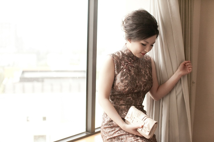 Gold Cheongsam for wedding and great hair