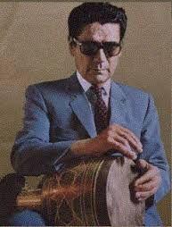 او استاد اصلی خود را ابوالحسن خان صبا میدانست زیرا نکات فراوانی از او آموخت که بعدها بسیار از آن بهره گرفت و آن قدر زحمت کشید تا در سایهٔ سعی و کوشش و عمل توانست با هر کوشش و نغمهای، ریتم آن را با انگشتان سحرآور خود به روی ضرب بیاورد. او در سال اول تأسیس رادیو تهران در آن مؤسسه به فعالیت پرداخت و در سال ۱۳۲۳ به مدرسهٔ موسیقی کلنل وزیری راه یافت و تدریس تنبک را در آن مدرسه به عهده گرفت و کار خود را تا سال ۱۳۲۸ که هنرستان موسیقی ملی به همت روحالله خالقی شروع به کار کرد، ادامه داد.