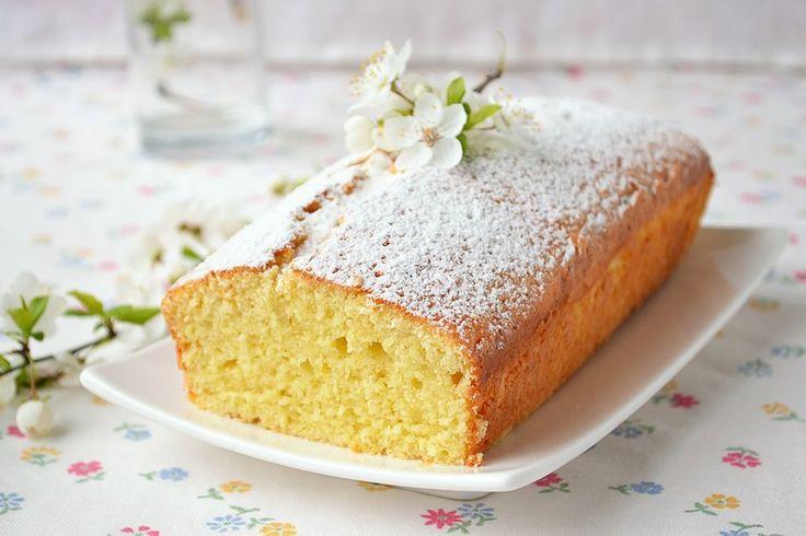 La torta con farina di riso è un'ottima soluzione per ospiti celiaci ma che sarà perfetta per tutti perchè soffice e davvero buonissima
