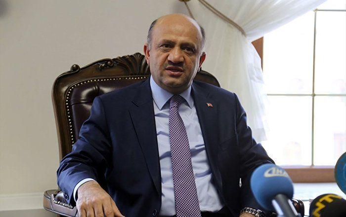 Sputnik Türkiye ///  Savunma Bakanı Işık'tan Yunan mevkidaşı Kammenos'a: Sorumsuzca ve provokatif