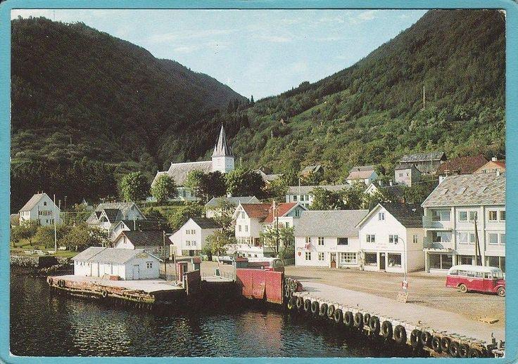Utne i Hordaland Utne er en bygd i Ullensvang kommune i Hardanger. Utne ligger nord på Folgefonnhalvøya, på sørsiden av Utnefjorden, vest for innløpet til Sørfjorden. Utne er trafikknutepunkt mellom Bergen og Oslo når man velger å reise over Haukeli.