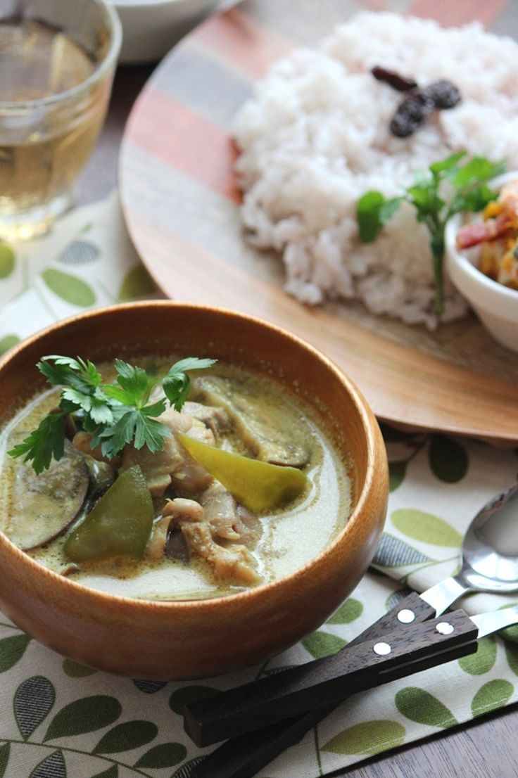 グリーンカレー風、鶏肉と茄子のココナッツミルクカレー。 by 栁川かおり / 見た目はグリーンカレー??なココナッツミルク入りのエスニック風カレー。味の決め手は、実はトリュフソース! / Nadia