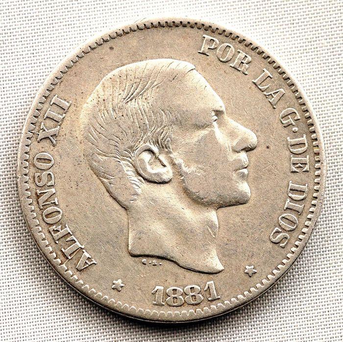 Spanje - Alfonso XII - 50 centavos van een peso in zilver - 1881 - Manilla  ALFONSO XII - 50 cent van peso 1881 Manilla. Zilveren gewicht: 12.9 g Minted voor het verkeer in de Filippijnen. Tweede jaar van uitgifte. Schaars.  EUR 1.00  Meer informatie
