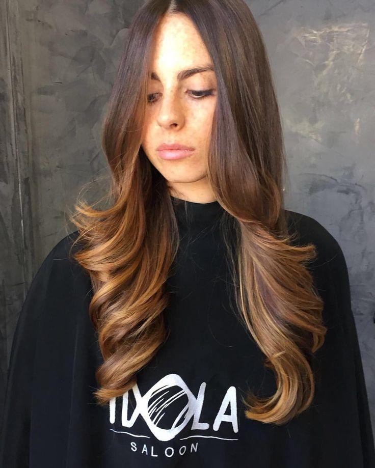 ✳️Nuance Castano Caramello✳️ Quest'effetto multicolor è creato su una base castana chiara con aggiunta di riflessi dorati..Mira ad alleggerire una chioma piena e voluminosa e Si ottiene schiarendo i capelli sulle lunghezze e regala un effetto particolarmente illuminante✨ PER INFO: 081201024 ✅WHATSAPP: 3317443476 ✂️HAIR IDOLA SALOON  #idola #saloon #parrucchieri #arte #napoli  #fashion #hair #cut #Napolistyle  #amalfi #portici #salerno #sorrento #Ischia #procida #capri #caserta #salerno…