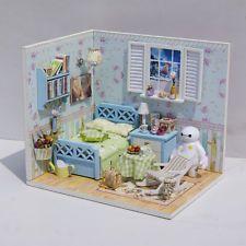 Kits de Madera Casa de Muñecas en Miniatura hágalo usted mismo Casa de Muñecas Baymax Sala De Regalo De Cumpleaños