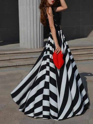 This skirt stole my heart and ran away with it <3 I'm in love with this Black White Striped Full circle Maxi Skirt