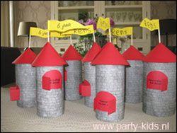 ridderfeest kasteeltoren - Uitnodigingen - En nog veel meer traktaties, spelletjes, uitnodigingen en versieringen voor je verjaardag of kinderfeest op Party-Kids.nl
