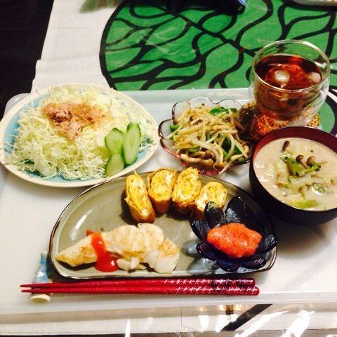 夕:タラの塩焼き       卵焼き       サラダ(シーチキン・キュウリ)        朝の豆乳スープ(具のみ)        もやしとピーマンのマジックソルト炒め        明太子