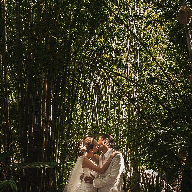 Love in a sanctuary of warmth #huayacan #morelos #wedding  #photographer #mexicanlight