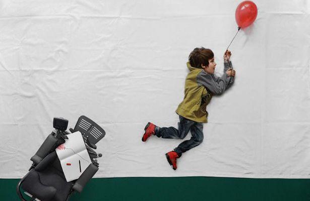 Usando a fotografia para realizar sonhos de uma criança em cadeira de rodas