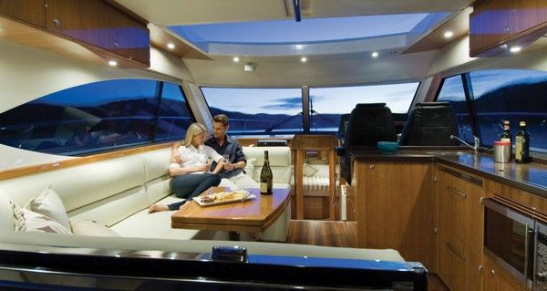 5000 Sport Yacht