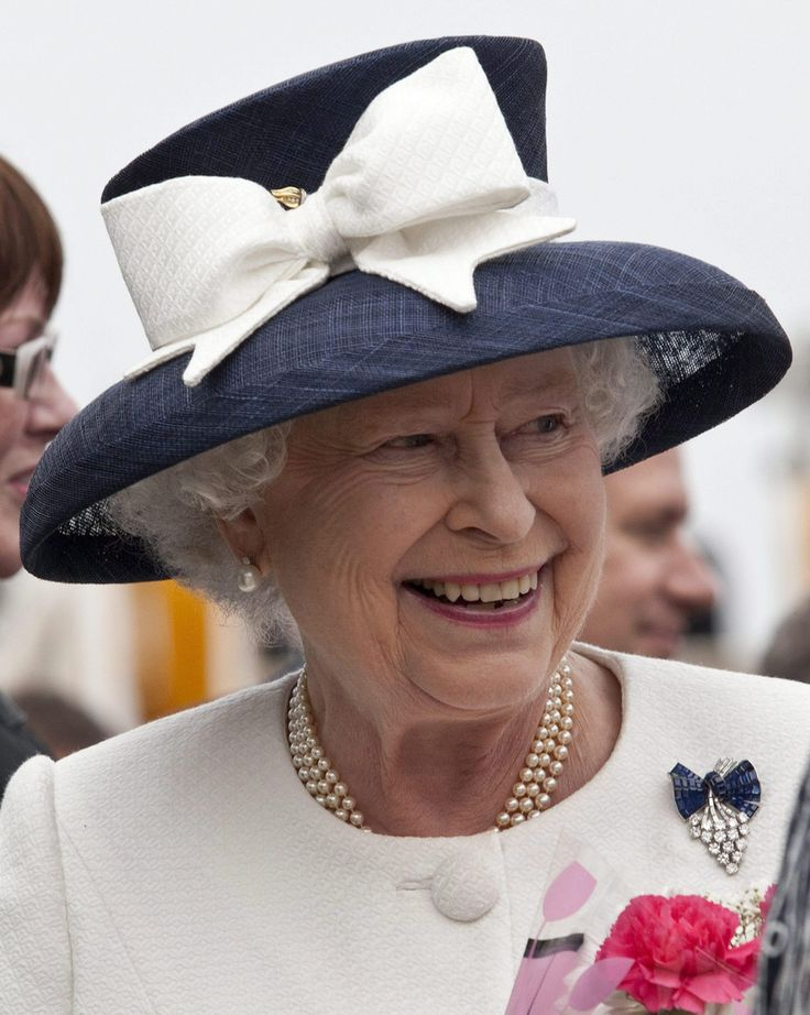 1000 Images About Queen Elizabeth 39 S Brooches And Hats On