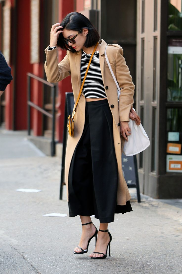 celebritiesofcolor:  Vanessa Hudgens leaves her apartment in NYC
