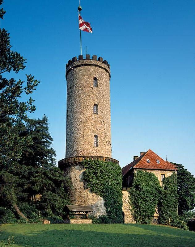 Burg Sparrenberg in Bielefeld                                                                                                                                                                                 Mehr