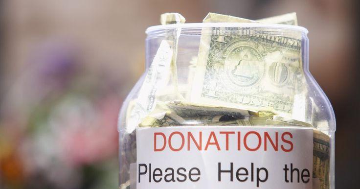 Como agradecer em um evento de arrecadação de fundos. Notas de agradecimento são padrão em eventos de arrecadação de fundos para demonstrar apreciação àqueles que ajudaram a organizar e àqueles que doaram dinheiro. Se está previsto que você fará os agradecimentos, você deve enxergar isso como uma responsabilidade e uma honra. Pense sobre seu discurso como uma oportunidade de fazer com que as pessoas ...
