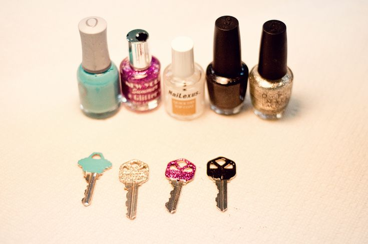 when too many keys becomes a problem: Creative Ideas, Nail Polish, Color, Paintings Keys, Cute Ideas, Glitter Nails Polish, Cool Ideas, Codes Keys, Glitter Keys