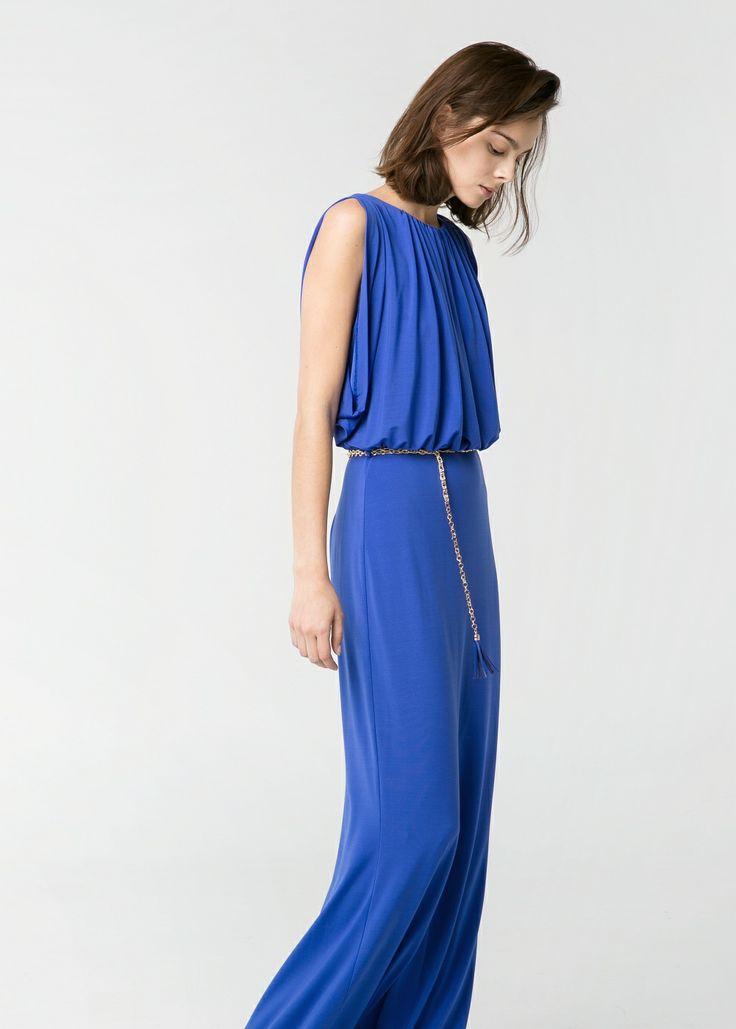 Langes Kleid mit Falten