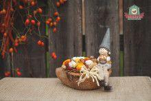Erdei manós asztaldísz kókuszhéjban
