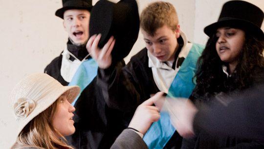 Spillet giver eleverne mulighed for at arbejde tværfagligt i historie og samfundsfag.  Undervisningsforløbet udbydes hele året. Sted: Formidlingscenter Garderhøj, Garderhøjfort 4, 2820 Gentofte.