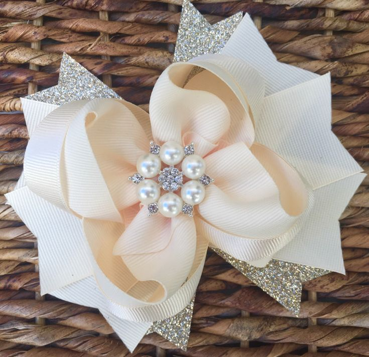 Hair bow, hair accessories, hair pin, hair clip, hair bows, bows, baby bows, hair bow for toddlers, boutique bows, cream bow, ivory bow by ModernMeCollection on Etsy https://www.etsy.com/listing/477708548/hair-bow-hair-accessories-hair-pin-hair