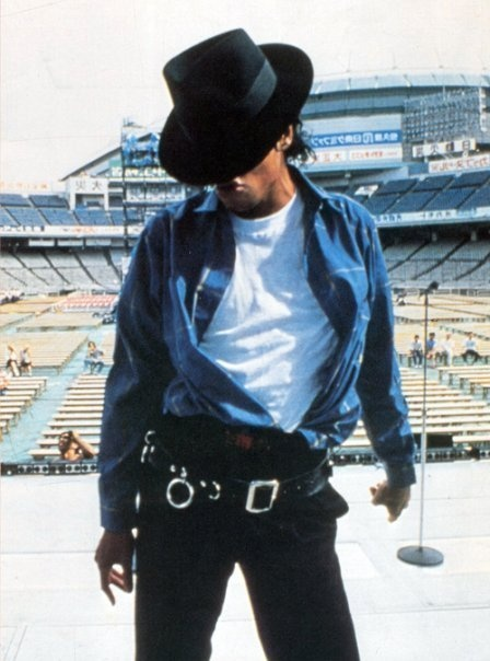 Love MJ & his music. He is and will forever be a huge Inspiration in my life and dance background.