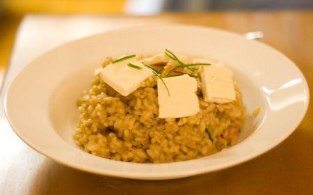 El risotto es uno de los platos típicos italianos y sin duda una delicia dentro de sus múltiples preparaciones... El risotto es una receta de arroz que no entra ni en los arroces secos ni en