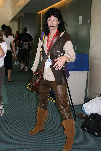 My name is Inigo Montoya, you kill my father... prepare to die. Awesome Princess Bride cosplay.