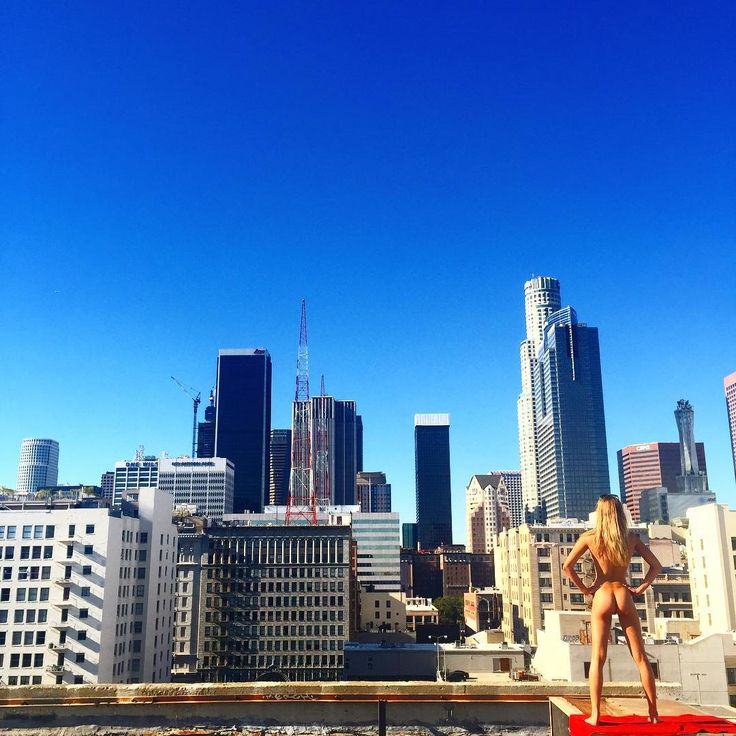 Live from Downtown LA today with @phariswillauer #naked #downtown #blueskies #losangeles  #LA #nudes #model #legs #buildings #skyline