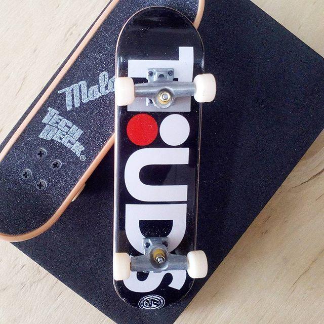 BRAND  HOSOI SKATER  TEAM SERIES  COLLECTOR SERIES PRODUCT  96MM SINGLE PACKS * มีลายที่ล้อ * #techdeck #techdeckthailand #fingerboard #fingerboardthailand #toysThailand #toythailand #hosoi