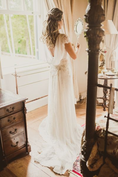 Vestido de noiva boho - casamento no campo ( Vestido: Whitehall | Foto: © Marina…