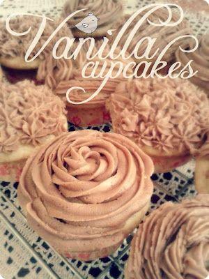 Moist Vanilla Cupcakes {recipe} | Pure Sweet Joy