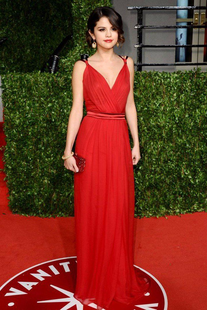 If You Prefer Selena Gomez in Any Other Color, You Haven't Seen Her in Red