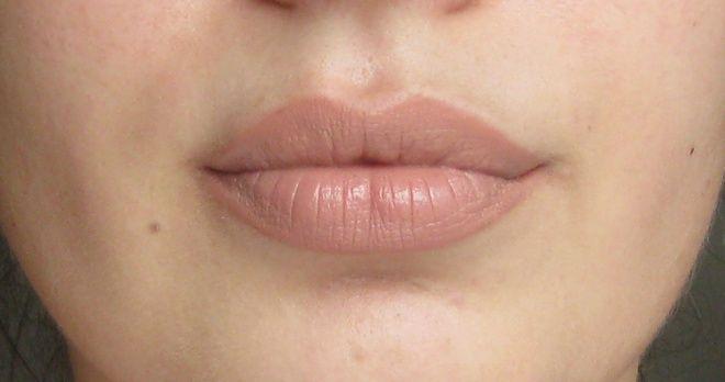 MAC Amplified Creme Lipstick Blankety