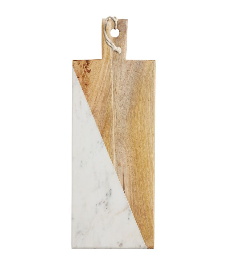 This marble and mango wood chopping board is beautiful! Love the two tones.