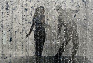 1fa04-dans-in-ploaie
