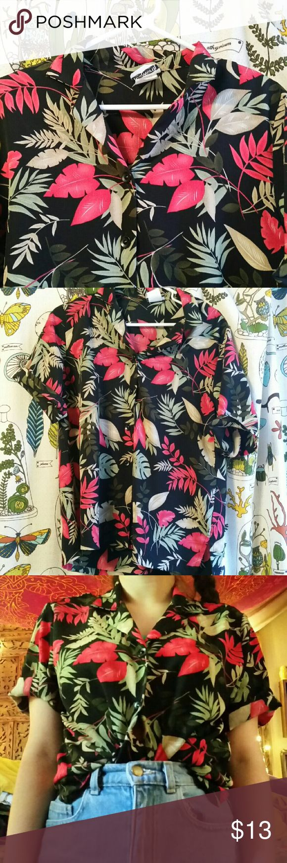 Vintage Hawaiian Shirt Perf dad shirt! Looks best with the sleeves rolled up, great for summer B) Tops