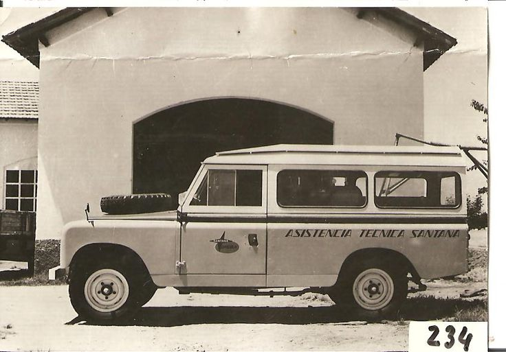 Land Rover Santana Series II 109