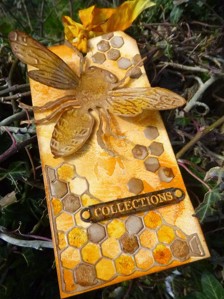 Words and Pictures: Sizzix Layered Bee