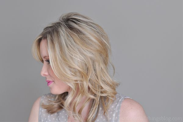 The Small Things Blog: Just Bend The Ends Hair Tutorial This woman does the BEST hair tutorials that I can actually replicate for the first time in my life. ...Janet