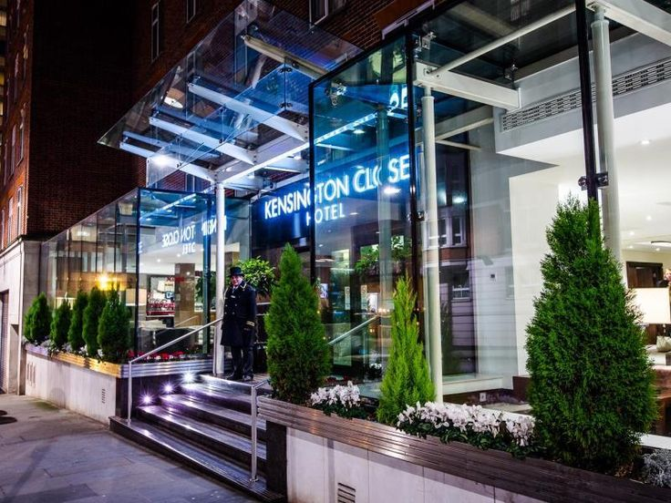 Kensington Close Hotel is 4 Star hotel where situated in a quiet spot close to the shops of High Street Kensington,Wrights Lane , Chelsea, London.