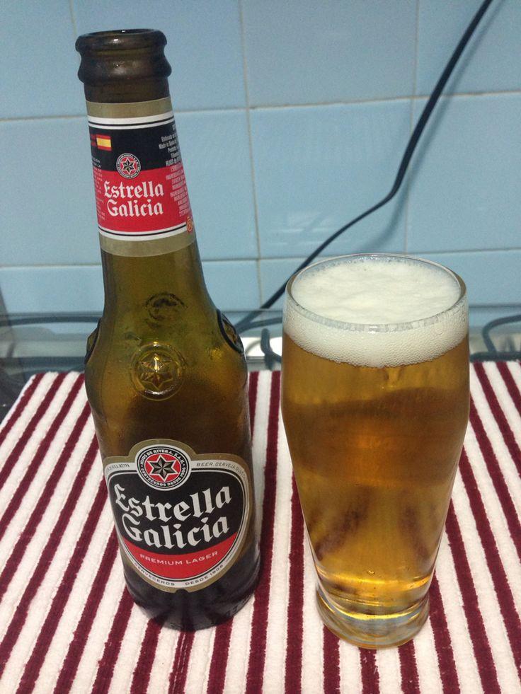 Estrella Galícia - Espanha: Versão Premium Larger com sabor bem etanólico, boa para ser consumida num Pub ou boate, mas não tão indicada para degustar em casa. #estrellagalicia #beersoftheworld #cervejasdomundo