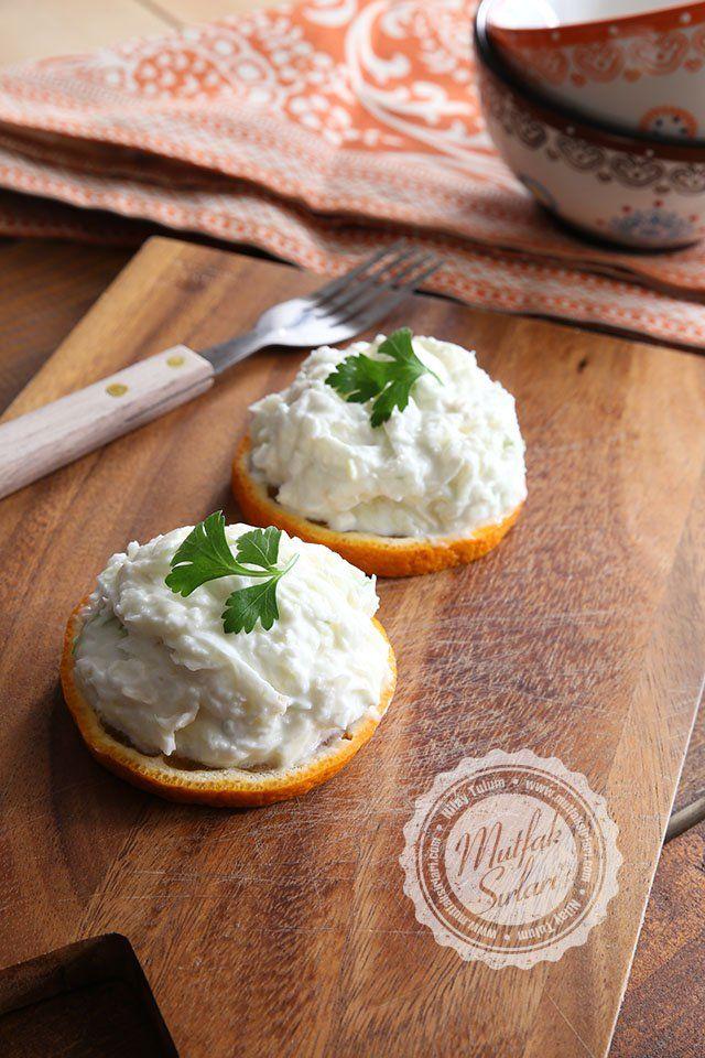 Elmalı Kereviz Salatası nasıl yapılır ? Ayrıca size fikir verecek 9 yorum var. Tarifin püf noktaları, binlerce yemek tarifi ve daha fazlası...