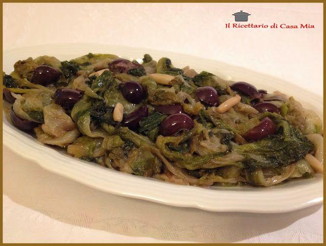 Scarola con Olive, Capperi e Pinoli
