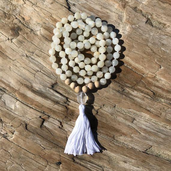 Collier Pierre de lune blanche Mala, Yoga collier, collier bouddhiste, perles de la méditation, blanc perles de Mala, le Japa Mala, Kundalini Mala