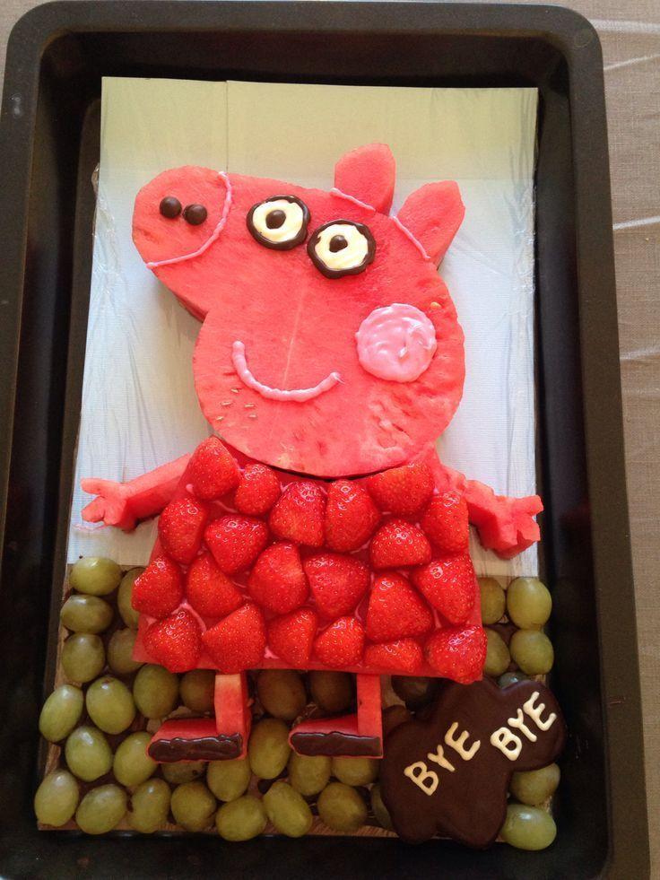 Peppa Pig aus Früchten #fruchten #peppa #peppapig Peppa Pig aus Früchten #fr…