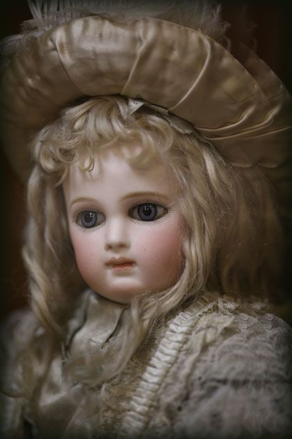 Portrait Jumeau dream doll