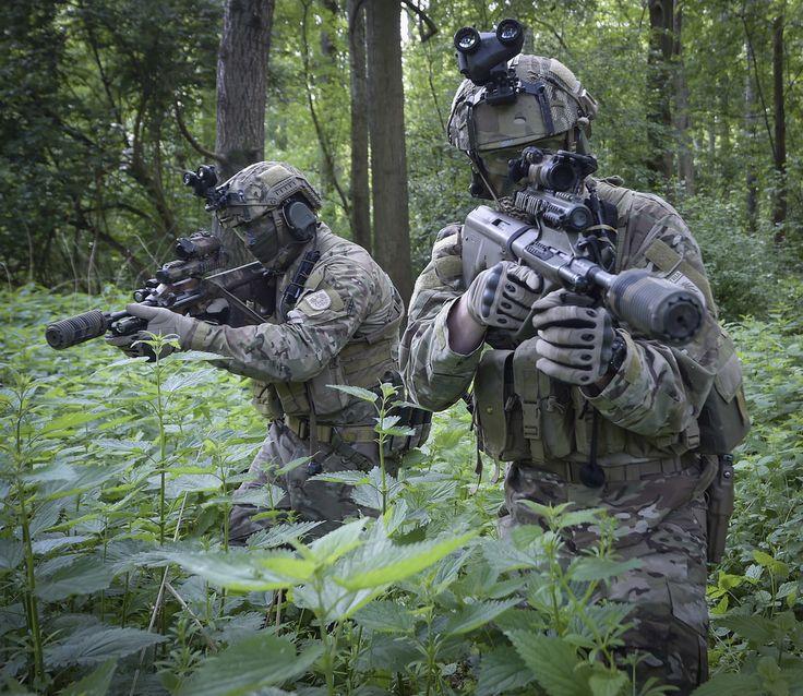 Austrian Jagdkommando operators.[1.024x899]
