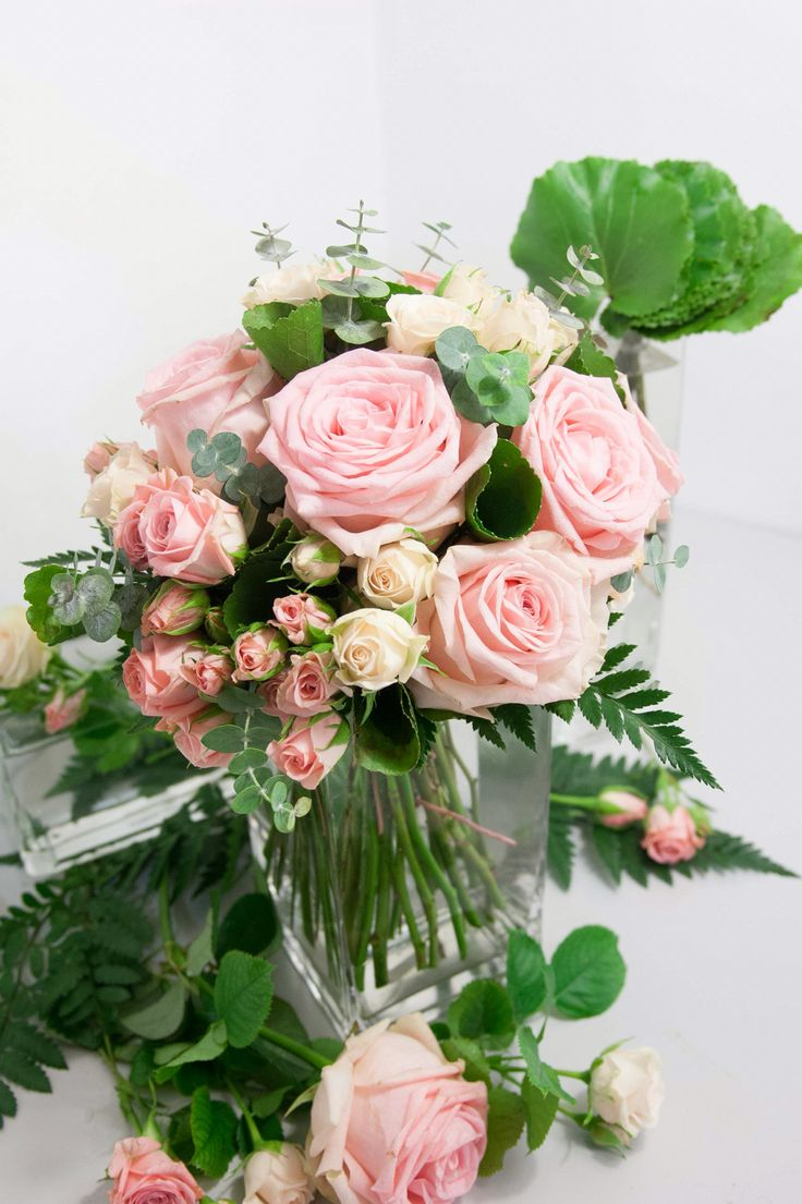 #bridalbouquet #wedding #bride #floral #ramodenovia #novia #boda #flores #flowers #flowerarrangement #roses #pinkflowers #bouquet #laiaclaramunttallerfloral #sabadell #barcelona