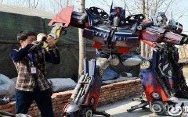 I rottami di una discarica per realizzare i Transformers!!! (video) #transformers #rottami #discarica